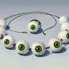 Ожерелье из зеленых глазных яблок. Strange Eyes. Источник: digital-art-gallery